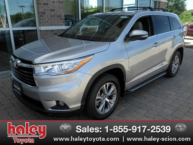 New 2016 Toyota Highlander Le Plus V6 Suv In Midlothian