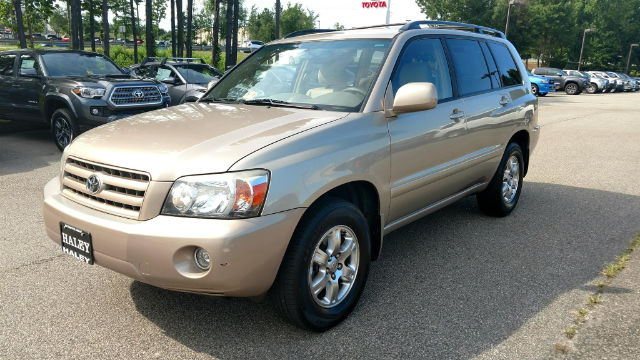 Pre Owned Toyota Highlander Suv In Midlothian
